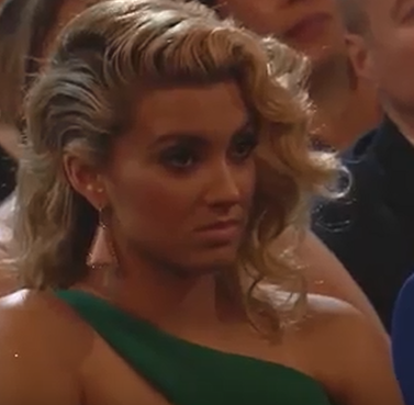 Tori Kelly shade face